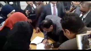 رئيس الوزراء يدلي بصوته  في مدرسة بالشيخ زايد