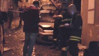 Napoli - Incendio a Montesanto: distrutta bottega barbiere, auto esplosa (19.10.16)