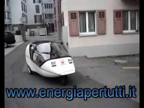 L'automobile a pedali! - YouTube