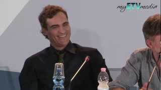 Joaquin Phoenix Bored to Death at The Master Press Conference (Venice Film Festival) FUNNY