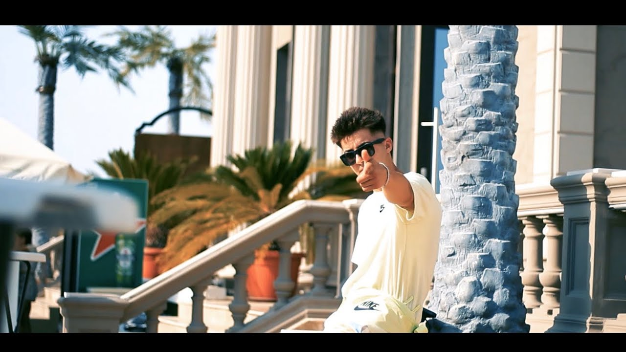 JOHNI -NEBUNIE (Official Music Video)
