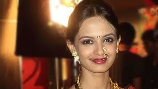 Repeat youtube video Ketaki Mategaonkar Performs In Kaksparsh Premiere Night - Marathi News