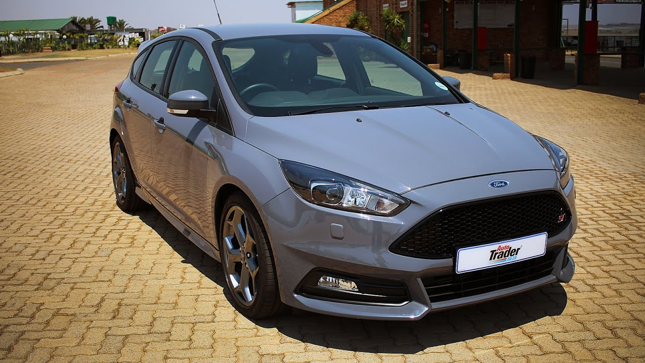 Ford Focus ST 3 - Car Review - YouTube
