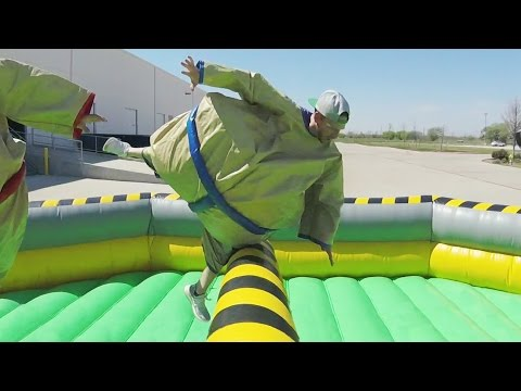 Thumbnail: Giant Sumo Battle | Dude Perfect