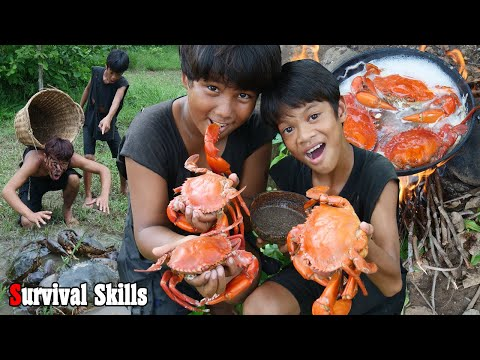 Survival Skills Primitive - Cooking and boiled big crab eating delicious for lunch ep0069