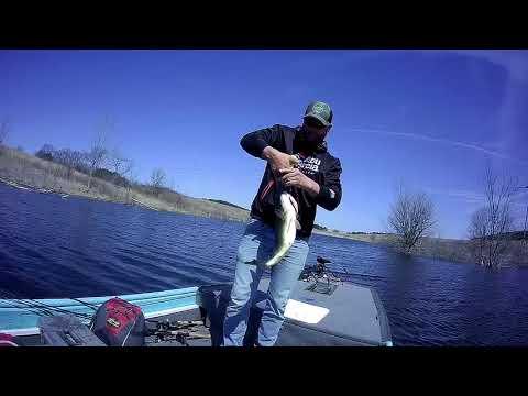 Lost Grove Lake  Iowa Bass Fishing 4/24/2018