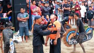 Kuda Lumping Ngamuk Penonton Tunggulwulung Malang