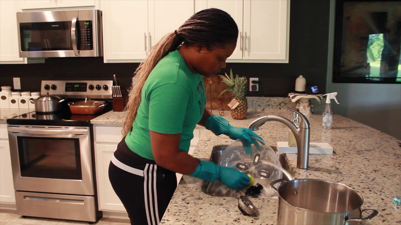 Hand-Wash Dishes Quickly & Sanitize Sponge