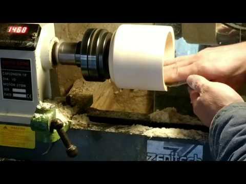 Токарная обработка древесины бюджетным инструментом.