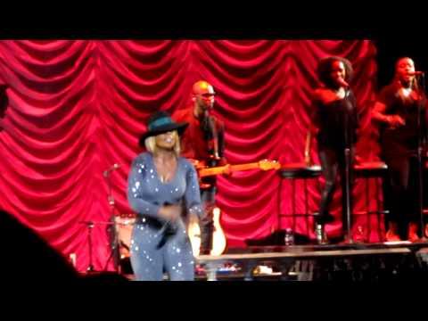 Mary J Blige 25/8 Live