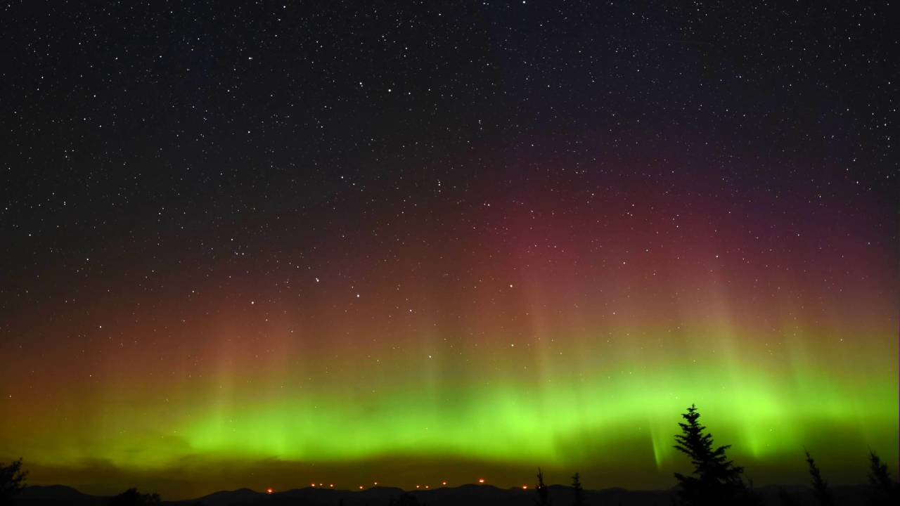 Maine Northern Lights 🌌 With Perseids Meteors 🌠 Extended