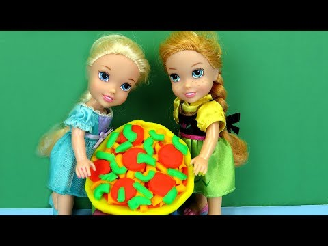 PIZZA Night ! Elsa and Anna toddlers make pizza