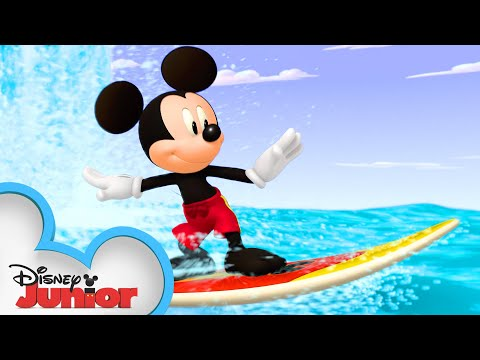 Surf's Up, Mickey! 🏄‍♂️ | Mickey Mouse Hot Diggity Dog Tales | Disney Junior