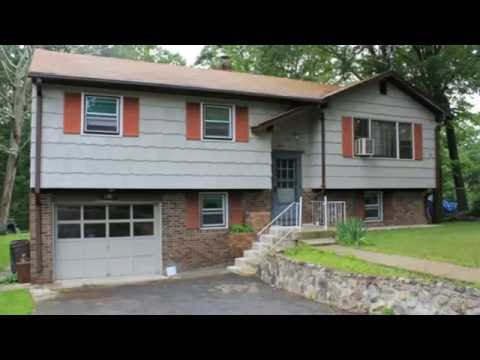 """Super Clean Bi-Level Within Walking Distance Of Skyline Lake in Ringwood, NJ - """"Only"""" Orly"""