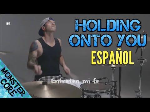 Twenty One Pilots - Holding On To You (Subtitulos en Español)