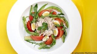Салат из тунца и авокадо в красивой подаче