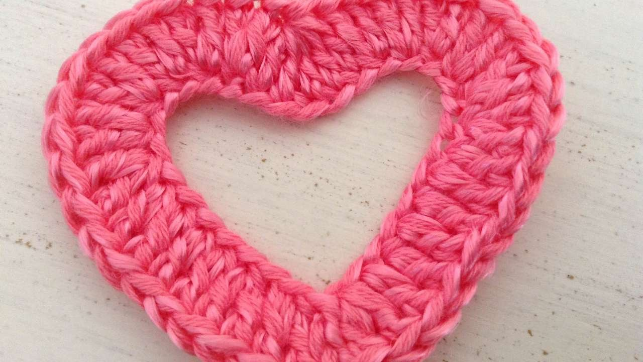 How To Make A Crochet Heart To Apply On Clothes - DIY Crafts ...