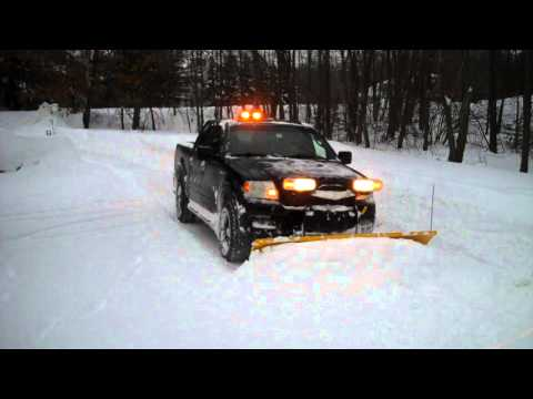 2005 Ford F150 Fx4 >> 2005 Ford F150 Fx4 Plowing Snow Fisher HT Snow Plow - YouTube