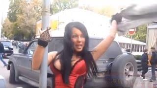 Тупые дуры на дороге и за рулем. Осторожно женщина!!!
