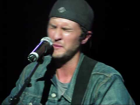 Luke Bryan covers Apologize