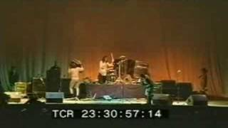 Nirvana live@reading festival stage destruction