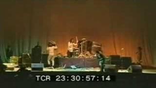 Nirvana live@reading festival stage destruction