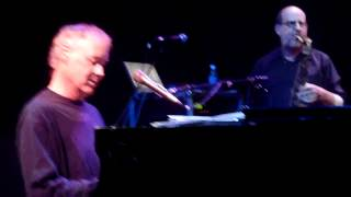 Watch Bruce Hornsby Great Divide video