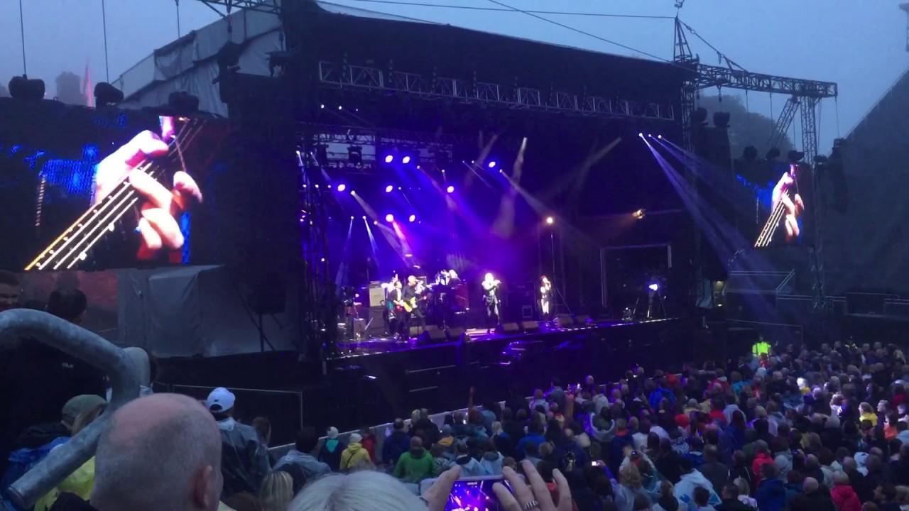 deacon blue. edinburgh castle town to be blamed live 22/7/2017