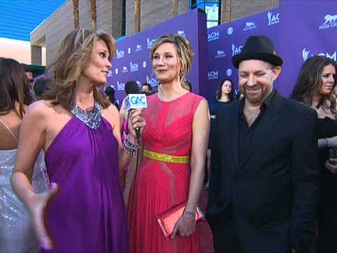 Sugarland Red Carpet Interview ACM Awards 2012