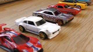 TOYS CARS HOT WHEELS DRIVING TO MY HANDS