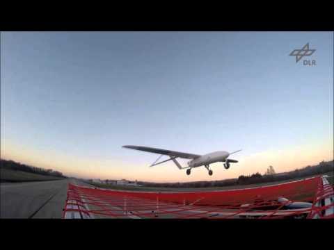 Landing on a moving car / Landung auf einem fahrenden Auto