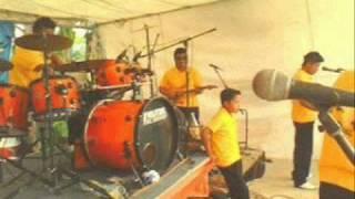 BAHIA TROPICAL - Jugo de Piña.wmv  EN VIVO