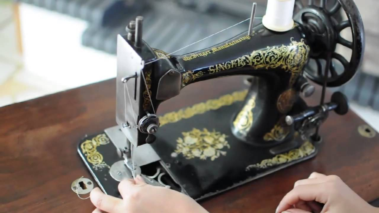 How To Use Old Singer Sewing Machine Demonstration Youtube