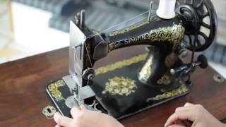 How to use: Old Singer Sewing machine demonstration