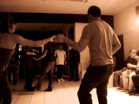 social latín bailando