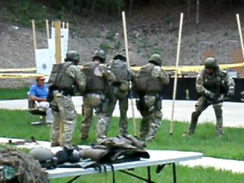 94th ACG-FBI Citizens Academy Miami:  FBI SWAT.mov