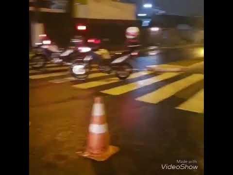 Fortes chuvas deixam ruas de Natal alagadas