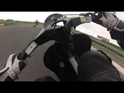 Vespa Pk 125 Challenge Scootentole - Magny Cours 2013  + Bonus Crash