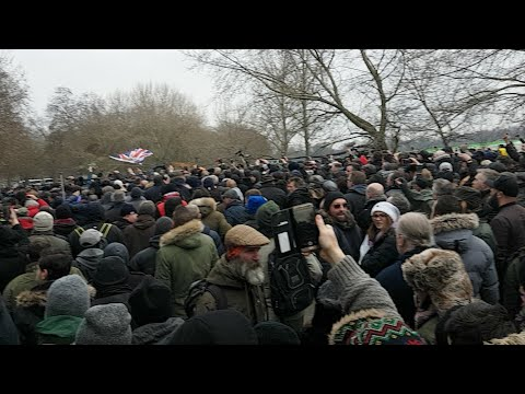 Tommy Robinson Supporters Arrive In Numbers