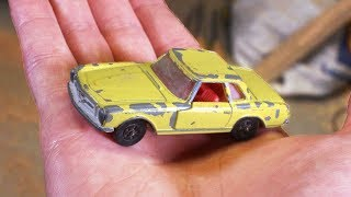Restoring old toy car with broken window - Restoration project