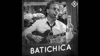 """Ricardo Arjona se hace 'yuppie' en su nuevo single y video """"Batichica"""""""