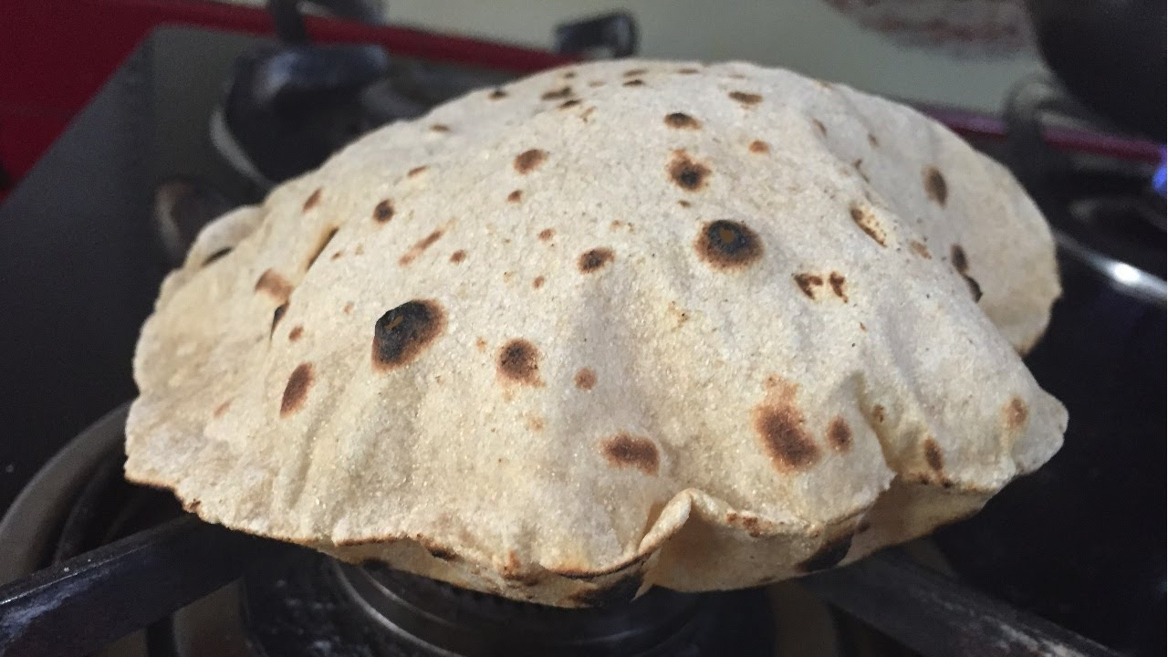 how to make soft chapati in hindi
