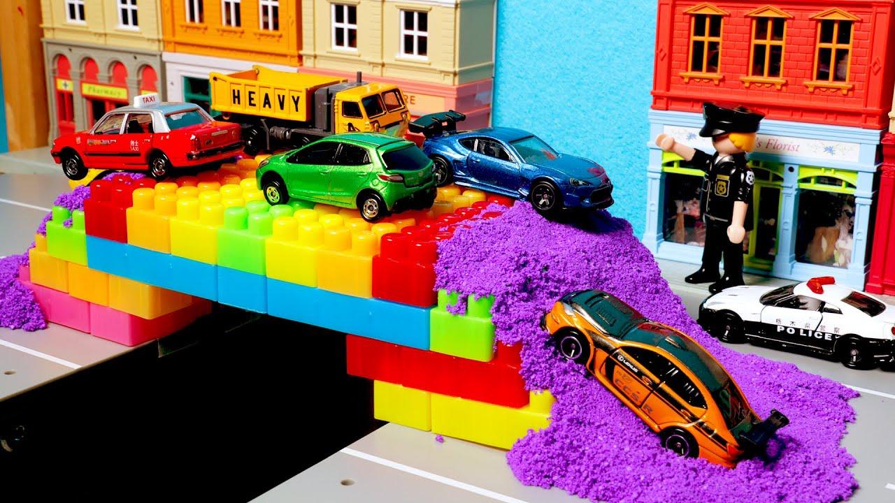 폼얼라이브와 블럭으로 다리 만들기 놀이. 토미카 시쿠 자동차 장난감 놀이 Block Bridge Tomica Car toys play