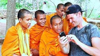 WORLDS FIRST VLOGGING MONKS // CAMBODIA | ALEC MERLINO
