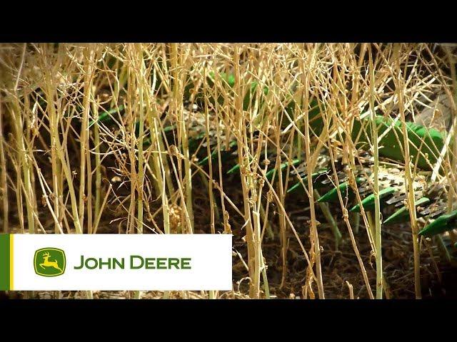 Kombajn serii S700 podczas pracy w polu- rzepak | John Deere