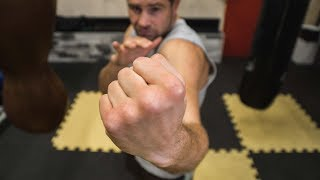 Как правильно бить апперкот в боксе / Удары снизу руками