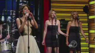 Selena Gomez & The Scene - Who Says Live at Regis and Kelly (28 June 2011)