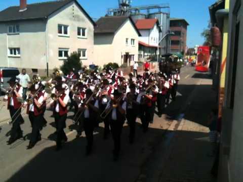 Festumzug zur 80 Jahrfeier des Kath  Musikverein`s Hochdorf Teil 1