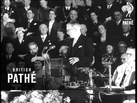 Sir Anthony Eden Receives Freedom Of Perth (1956)