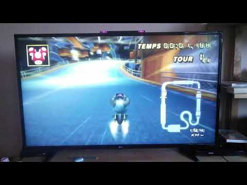 [MKW] Toad's factory Lap1 37.651 (1-1-1 and Wheel)